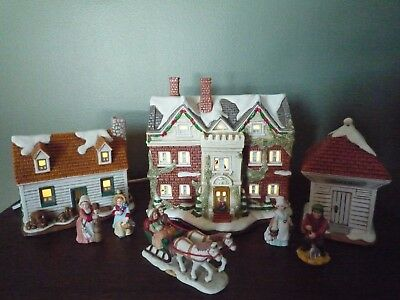 Lefton Colonial Christmas Village  Staff Quarters With Box &  Light