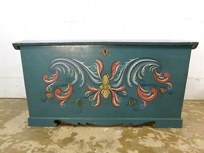 Antique PA Dutch Painted Dovetail Camelback HumpBack Blanket Storage Chest Trunk