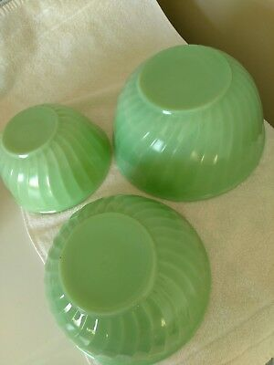 Set of 3 Vintage Fire King Oven Proof  Mixing Bowls Jadeite Swirl EUC