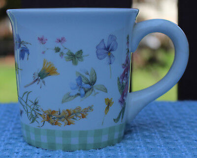 Hallmark MARJOLEIN BASTIN FLORAL MUG Wildflower Meadow GREEN CHECK BAND
