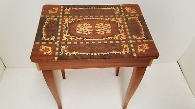 Vtg Florentia Italy inlaid wood musical table jewelry box plays Blue Danube