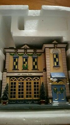 Department 56 Christmas in the City 5th Avenue Salon 56.58950 NIB