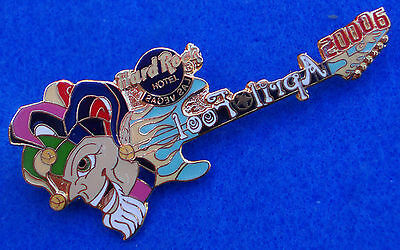 LAS VEGAS HOTEL APRIL FOOLS JESTER HEAD GUITAR MIRROR WRITING Hard Rock Cafe PIN