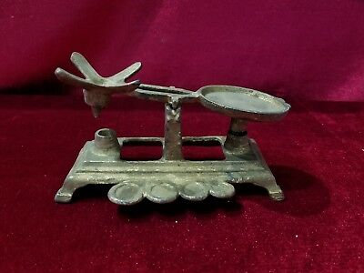 Antique Cast Iron Childrens Toy Scale Vintage 4 Weight Scale Egg scale