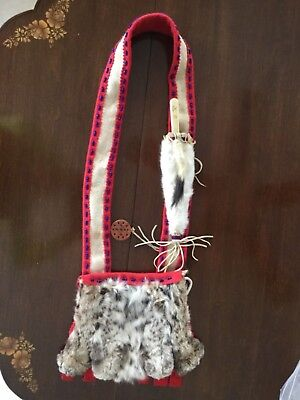 ANTIQUE c1930 PLAINS NATIVE AMERICAN INDIAN FUR & BEADED BANDOLIER BAG...