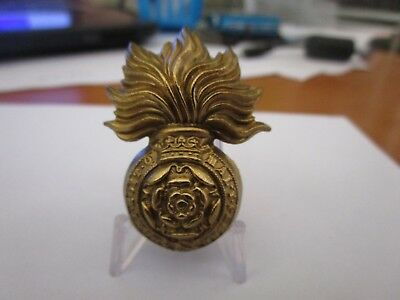 WWI British Army Royal Fusiliers KK596 Cap Badge #1608