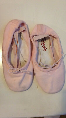 Capezio Pink Leather Girls/Childrens Ballet Slippers Size 4
