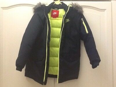 Nike coat for Age 10/12 Black/yellow