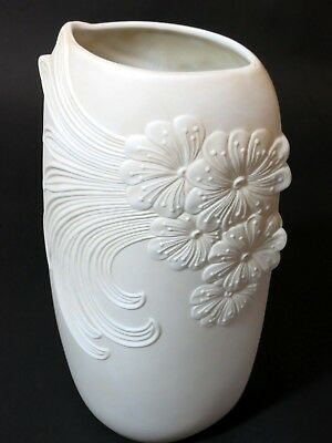 Kaiser Bisque Pottery Narrow Vase  Thames hospice 107R2