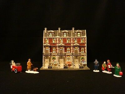 "Dept 56 Christmas in the City ""Sutton Place Brownstones & City People"" retired"