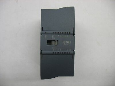 Siemens 6ES7 223-1PH30-0XB0 S7-1200 PLC Expansion Module DC In / Relay Out