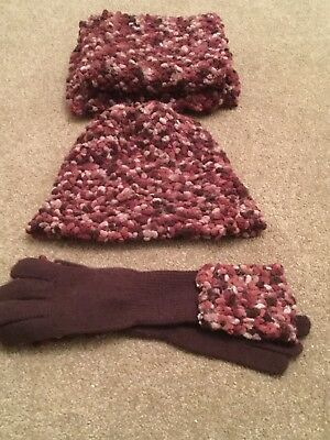 Ladies hat scarf and gloves Set