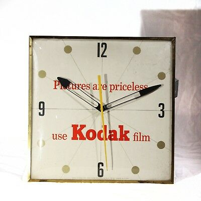 Vintage Kodak PAM Clock, terrific condition, complete--and WORKS!