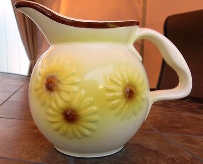 """Vintage Hull Yellow Floral Daisy Pottery 6"""" Pitcher #46"""