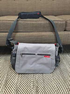 Skip Hop Diaper Messenger Bag Gray With Changing Pad Gentyly Used