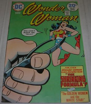 WONDER WOMAN #210 (DC Comics 1974) CLASSIC cover (FN+) Charles Moulton