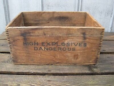 Vintage Red Diamond High Explosives Dynamite Box Crate B7873