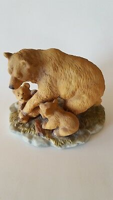 Homco - Mother Bear And Cubs. #1435