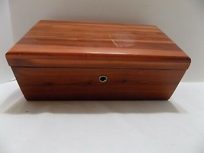 Lane Mini Cedar Chest Salesman Sample Bunk-N-Bedroom Center Utica,mi (R5-2)