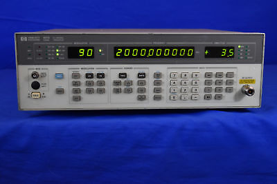 HP 8657B Synthesized Signal Generator,100 kHz to 2060 MHz