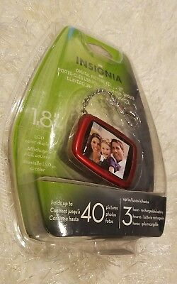 """Insignia DIGITAL PICTURE KEYCHAIN Holds up to 40 photos 1.8"""" Red NEW....(Q)"""