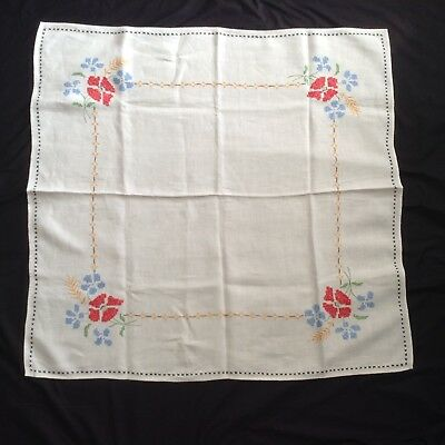 "DELIGHTFUL Embroidered COTTON TEACLOTH TABLECLOTH Gently Used 33.25x32"" FLORAL"