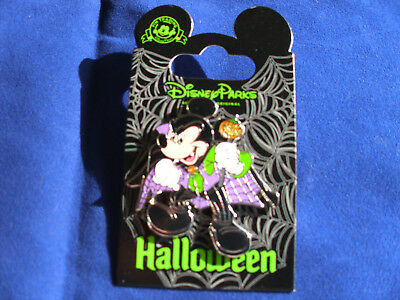 Disney * HALLOWEEN * VAMPIRE MICKEY * Purple Cape - Holiday Trading Pin