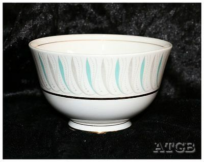 Vintage Queen Anne Caprice retro sugar bowl measuring 12cm across x 7.5cm tall.
