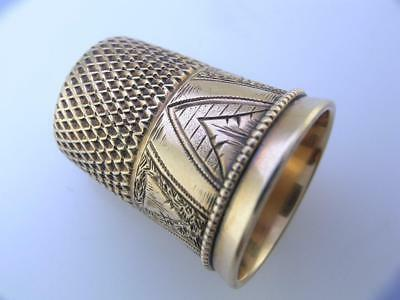 14K Gold THIMBLE w/ unusual triangular engraved patterns w/ beaded border size 7