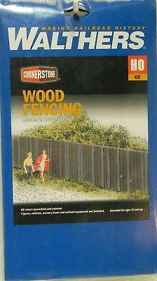 """Walthers #933-3521 Wood Fence - Kit - 15"""" 37.5cm 3 Sections"""