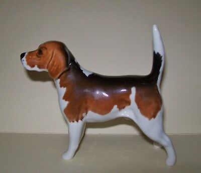 VINTAGE BESWICK 'WENDOVER BILLY' BEAGLE DOG ORNAMENT *A/F repaired leg/neck*