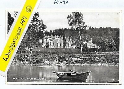 Abbotsford from the Tweed. VALENTINE'S SILVERESQUE RP. 443.Unposted. (PC974)