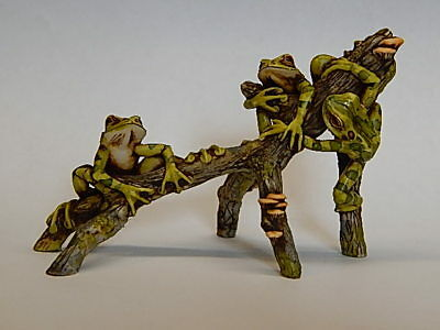 Harmony Kingdom Artst Neil Eyre Designs Tree Frog toad on Branch LE 50