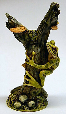 Harmony Kingdom Artst Neil Eyre Designs Tree Hug Frog toad Branch Mushroom LE 50