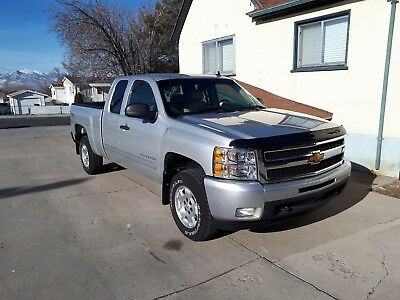 2011 Chevrolet Silverado 1500 LT LT 126,456 miles with Hard To Find Tan 2 Tone Interior 4x4 4WD Allison 6 speed