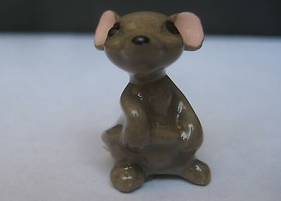 """Hagen Renaker Mama Mouse Holding Tail Miniature Figurine 1"""" tall"""