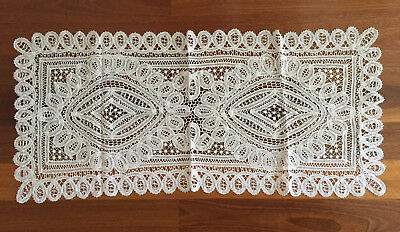 UNUSED Vintage Elegant White BATTENBURG Lace TABLE RUNNER Doiley Doyley