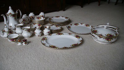 Royal Albert Old Country Roses complete dinner set