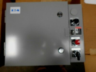 Eaton Enclosed Lighting Contactor Ecco3C1A4A With A Agastat 7022Akt