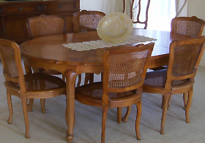 Dining Table 6 Chairs And 2 Extentions