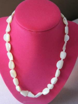 Vtg COFFEE BEAN Shaped MOTHER of PEARL Graduating Beads Collar NECKLACE Stunning