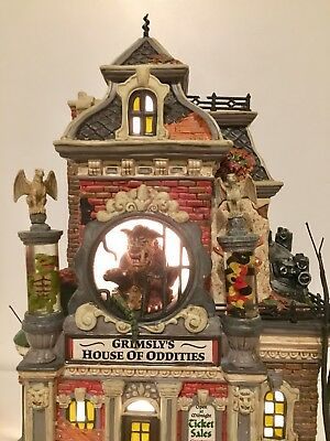 Department 56 Snow Village Halloween Grimsly's House of Oddities #799935 Retired