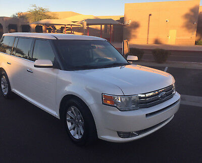 2011 Ford Flex  2011 Ford Flex Premium Model with lots of features, drives excellent!
