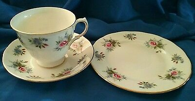 PRETTY 1950s VINTAGE ROSE BOUQUET TRIO QUEEN ANNE RIDGWAY ENGLAND PATT 8427