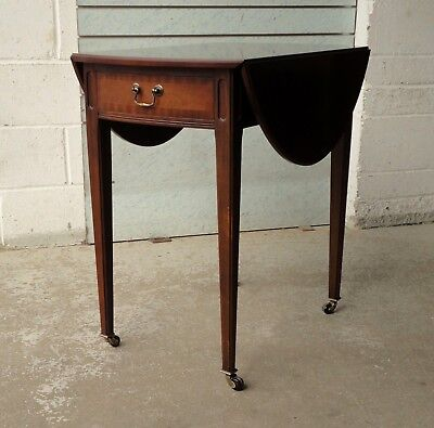 Lovely Antique Style Mahogany Reproduction Strongbow Pembroke Drop Leaf Table