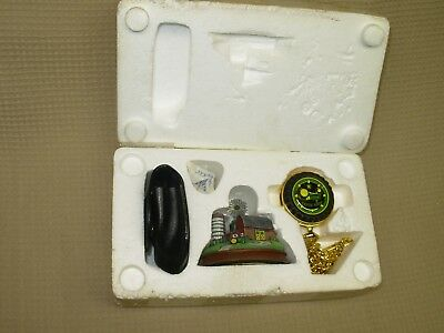 Franklin Mint John Deere B Tractor Pocket Watch Stand Leather Pouch