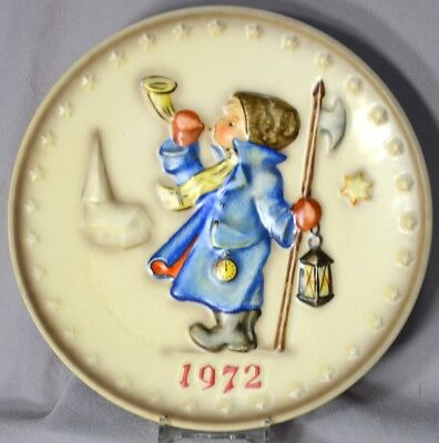 GOEBEL HUMMEL 1972 Annual Plate, second in series, excellent condition!