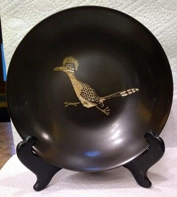 VINTAGE mid-century COUROC resin 7 1/2 inch serving bowl inlaid Roadrunner