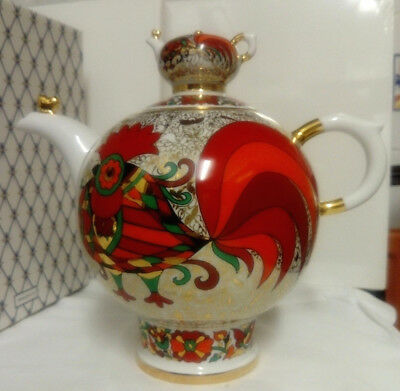 RUSSIA, IMPERIAL LOMONOSOV PORCELAIN  BIG RED ROOSTER TEA POT 1800ml, 22KT GOLD