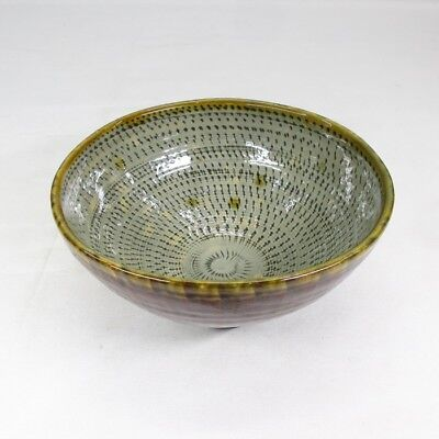 F771: Popular Japanese TSUBOYA pottery ware tea bowl with appropriate good work